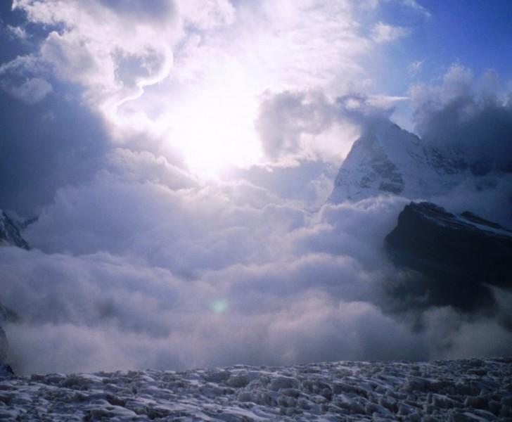 tormenta en chamlang mera peak himalaya nepal