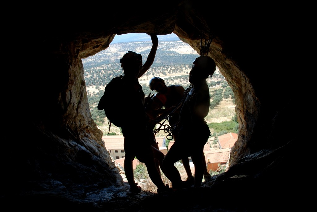 contraluz rapel cabañas del castillo turismo origen geoparque villuercas
